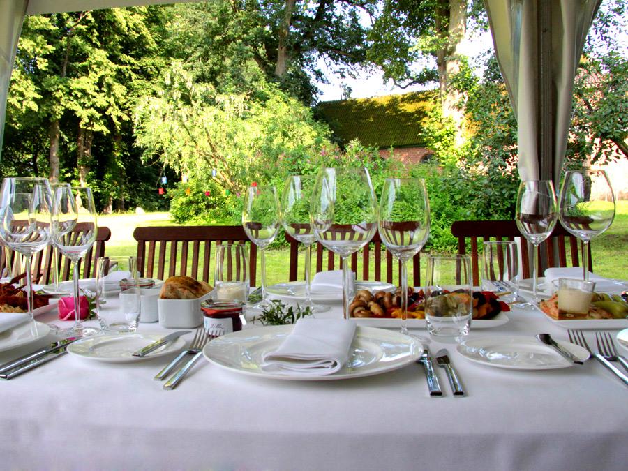 Festlicher Landhaus Stil zum Catering zur Hochzeit
