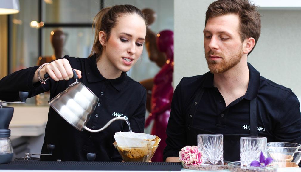 Slow drip coffee mit dem Hario Drip System und Chemex Coffee-Maker