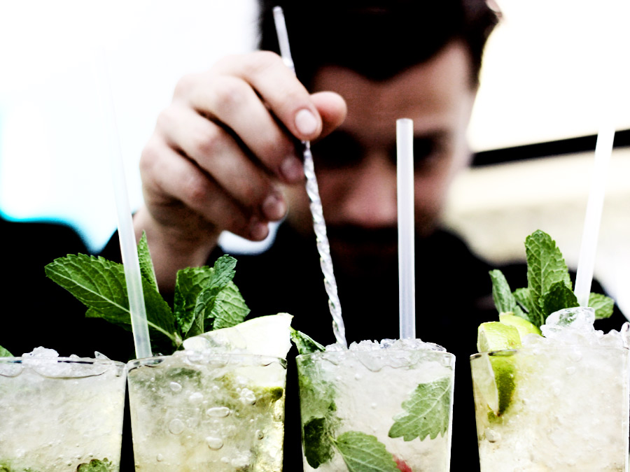 Barcatering mit Cocktails bei 40 Jahre Ziegler Film.