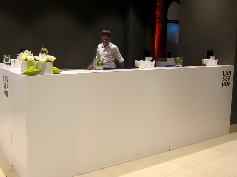 Barcatering mit Kunden CI gebrandeter LUNA Bar auf der Lanserhof Eröffnung