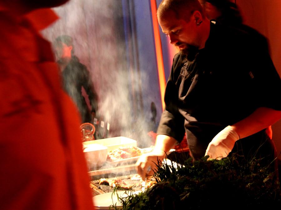 Grillmeister an den Turntables - BBQ zur Roadshow.