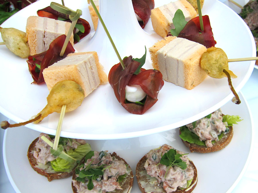 Flying Fingerfood zum Catering für die Luxusmarke.