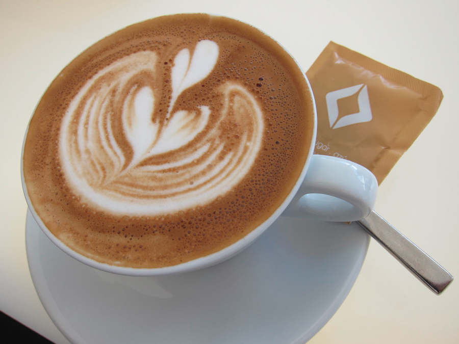 Coffee Catering mit perfektem Latte Art Cappuccino