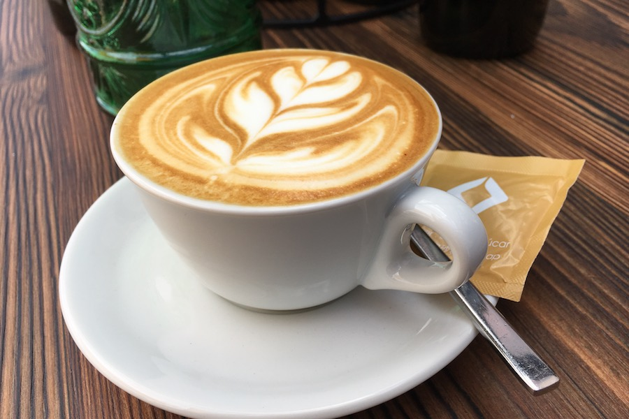 Coffee Catering mit perfektem Latte Art Cappuccino