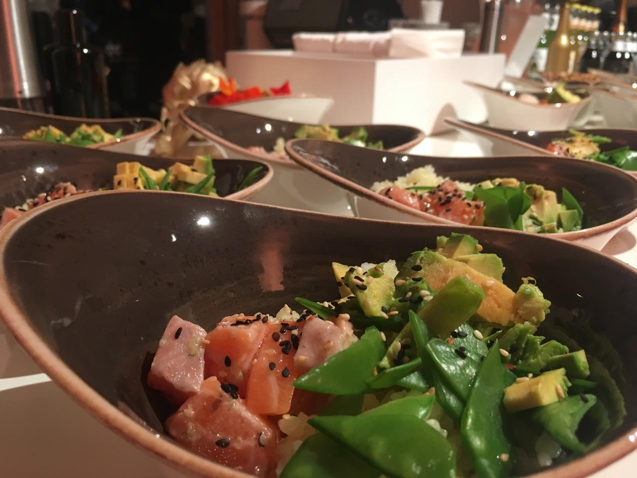 Lachs Poké als Bowl Food von der Live Station