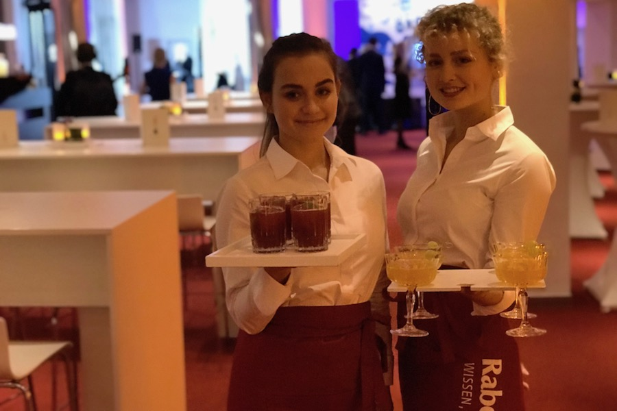 Alkoholfreie RABENHORST Cocktails zum Empfang.